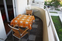 Балкон. Черногория, Игало : Большая современная студия на втором этаже