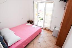 Черногория, Рафаиловичи : Комната на 2 персоны с видом на море, 50 метров от пляжа