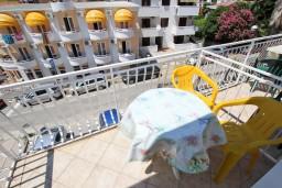 Балкон. Черногория, Рафаиловичи : Студия с видом на море, 50 метров от пляжа