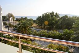 Вид на море. Черногория, Бечичи : Апартамент в Бечичи с балконом с видом на море
