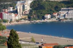 Ближайший пляж. Черногория, Бечичи : Студия в Бечичи с видом на море