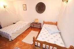 Спальня. Черногория, Бечичи : Апартаменты на 6 персон, 2 отдельные спальни