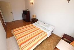Спальня 2. Черногория, Бечичи : Апартаменты на 6 персон, 2 отдельные спальни