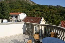 Вид. Черногория, Бечичи : Апартамент с отдельной спальней и с видом на море