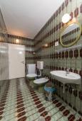 Ванная комната. Черногория, Пржно / Милочер : Апартаменты на 6 персон, 2 спальни, с видом на море