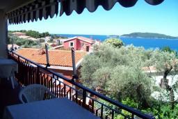 Вид на море. Черногория, Пржно / Милочер : Апартаменты на 6 персон, 2 спальни, с видом на море