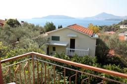 Вид на море. Черногория, Пржно / Милочер : Апартамент в Пржно с видом на море