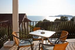 Вид на море. Черногория, Каменово : Апартаменты для 4-5 человек, с отдельной спальней, с балконом с видом на море