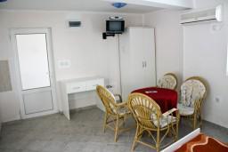 Montenegro, Sveti Stefan : Apartment with 1 bedroom in Sveti Stefan