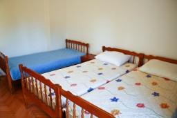 Спальня 2. Черногория, Булярица : Апартаменты на 5 персон, 2 спальни