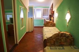 Гостиная. Черногория, Булярица : Апартамент в Булярице в 150 метрах от моря
