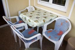 Балкон. Черногория, Булярица : Апартамент в Булярице в 150 метрах от моря