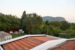 Вид. Черногория, Булярица : Апартамент в Булярице в 150 метрах от моря