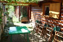 Терраса. Черногория, Булярица : Деревянный домик с кухней в Булярице