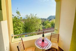 Балкон. Черногория, Булярица : Двухместный номер с балконом и видом на море