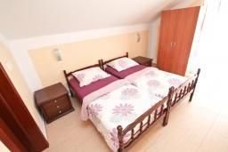 Студия (гостиная+кухня). Черногория, Игало : Студия с балконом с видом на море, 50 метров до пляжа