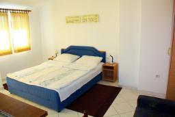 Гостиная. Черногория, Будва : Апартамент в Будве в 700 метрах от моря