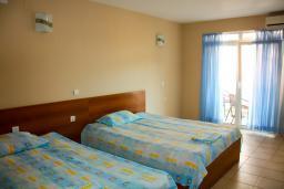 Студия (гостиная+кухня). Черногория, Будва : Студия с балконом в 500 метрах от моря