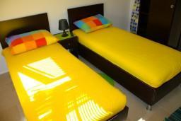Спальня. Черногория, Доброта : Апартаменты на 6 персон, 2 спальни, у моря