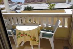 Балкон. Черногория, Герцег-Нови : Студия с видом на море, 100 метров от пляжа
