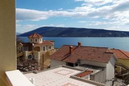 Вид. Черногория, Герцег-Нови : Студия с видом на море, 100 метров от пляжа