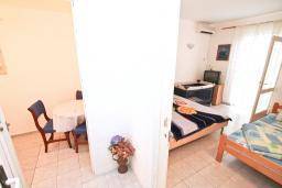 Студия (гостиная+кухня). Черногория, Мельине : Студия для 3 человек, с балконом и видом на море