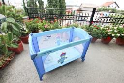 Детская кроватка-манеж 67x120см + матрац : Черногория