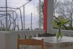 Вид на море. Черногория, Тиват : Студия на первом этаже с видом на море