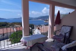 Вид. Черногория, Каменово : Апартамент с отдельной спальней, с террасой с видом на море