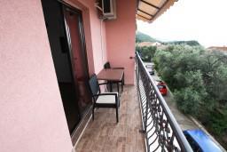 Балкон. Черногория, Каменово : Студия 24м2 с балконом с видом на море