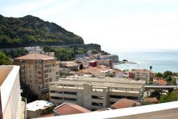 Вид. Черногория, Бечичи : Апартамент с видом на море в Бечичи