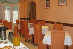 Кафе-ресторан. Koral 3* в Будве