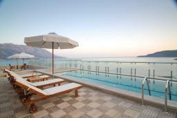 Вид на море. Черногория, Бечичи : Президентский номер