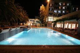 Бассейн. Mediteran Wellness & Spa 4* в Бечичи
