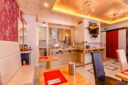 Кафе-ресторан. Meridian 4* в Рафаиловичах