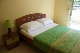 Спальня. Черногория, Герцег-Нови : Апартамент Черепаха в Топла на вилле с бассейном