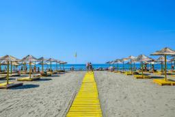 Ближайший пляж. Olympic 3* в Ульцине