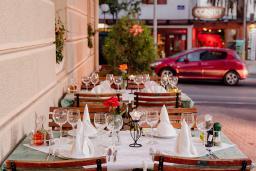 Кафе-ресторан. Montenegrino 4* в Тивате