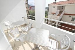 Балкон. Черногория, Петровац : Апартаменты на 4+1 персон, 2 спальни, с видом на море