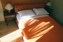 Спальня. Черногория, Герцег-Нови : Апартамент Танго Аргентино в 700 метрах от моря