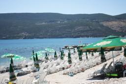 Пляж Милошиновича плажа / Peoples в Герцег Нови