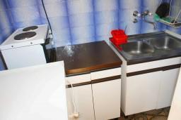 Кухня. Черногория, Зеленика : Студия в Зеленике с большой террасой
