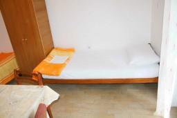Студия (гостиная+кухня). Черногория, Зеленика : Студия в Зеленике с большой террасой