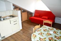 Гостиная. Черногория, Герцег-Нови : Апартамент в Савина с шикарным видом на море