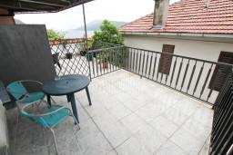 Терраса. Черногория, Герцег-Нови : Студия с балконом и видом на море