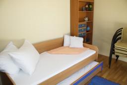 Спальня 2. Черногория, Герцег-Нови : Апартамент White Light