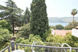 Вид на море. Черногория, Герцег-Нови : Студия для 3-4 человек с балконом и видом на море