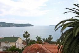 Черногория, Герцег-Нови : Студия для 4 человек, с балконом и видом на море
