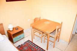 Студия (гостиная+кухня). Черногория, Герцег-Нови : Студия в Савина с террасой
