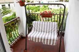 Балкон. Черногория, Игало : Апартамент для 4-5 человек, 2 отдельных спальни